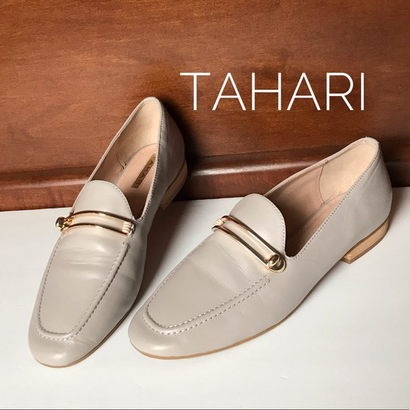 e66787d3d9e Tahari Salty Leather Loafers Gold Clamp Flats Shoe.  M 5c444a09aa5719f738a3d538